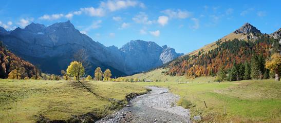 Rissbach in der Eng, Karwendel Tal im Herbst