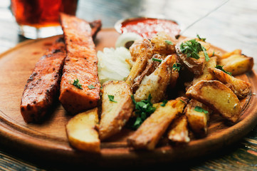 Satisfying rustic food with cold beer