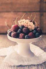 Früchte auf Schale