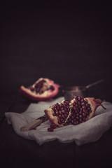 Ein Stück Granatapfel
