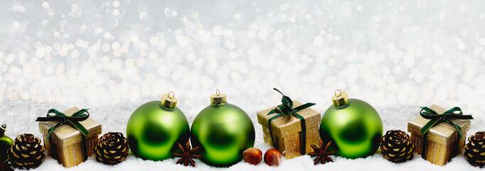 Weihnachtskarte Grüne Christbaumkugeln