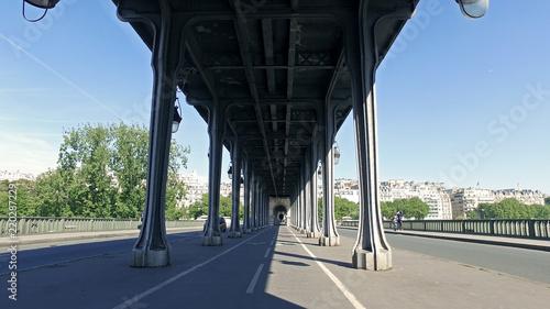 Under Pont De Bir Hakeim Pont De Passy Bridge In Paris