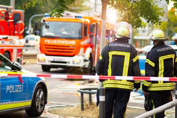 Feuerwehrmann im Einsatz bei der Feuerwehr