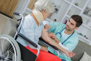 a nurse visit to a patient