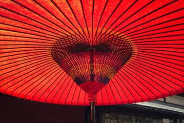 朱赤の和傘