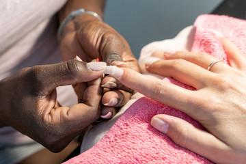 manicura uñas gel