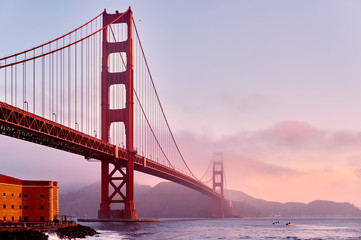 Fotobehang San Francisco Golden Gate Bridge at sunrise, San Francisco, California