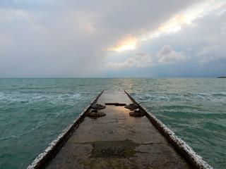 Overcast sea horizon. Buna