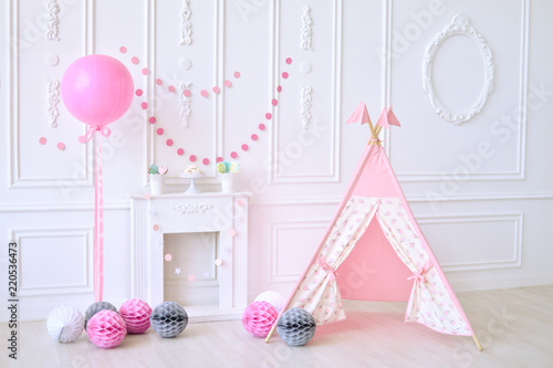 Birthday Decorations Ideas First Children A Lot Of Balloons