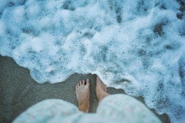 feet in wave