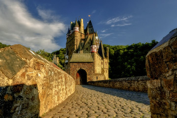 Photo sur Plexiglas Chateau Eltz castle in Germany in the Eifel region of Rhineland-Palatinate
