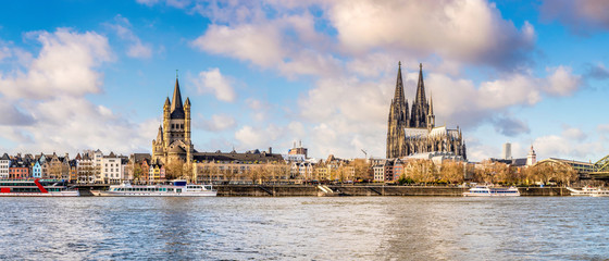 Panorama of the skyline of Cologne with Rhine and Cologne Cathedral Fototapete