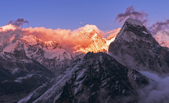 Greatness of nature: grandiose view of Everest peak (8848 m) at sunset. Nepal, Himalayan mountains, the highest point of the planet.
