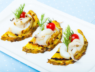 Cuttlefish grilled with pineapple