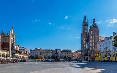 Krakau – Marienkirche und Tuchhallen am Morgen