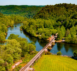 Train bridge over the Hiawassee River in Tennessee – Gorgeous afternoon picture of a train bridge in Tennessee in high resolution.