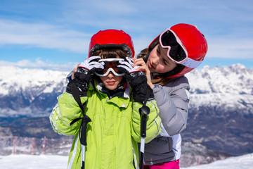 Children with ski goggles