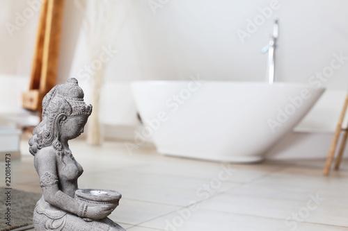 Modernes Bad Mit Freistehende Badewanne Stock Photo And Royalty