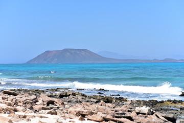 Northern Fuerteventura, Corralejo Flag Beach, Isla de Lobos and Lanzarote in the background, Canary Islands, Spain