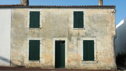 Frankreich: Altes Haus im Verlassenen Dorf