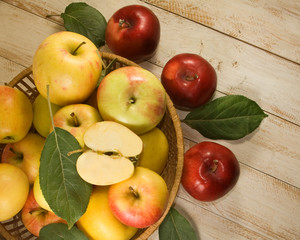 image of many ripe apples on table