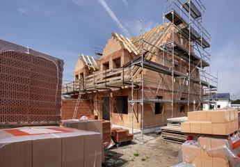 Neubau und Rohbau von einem Haus