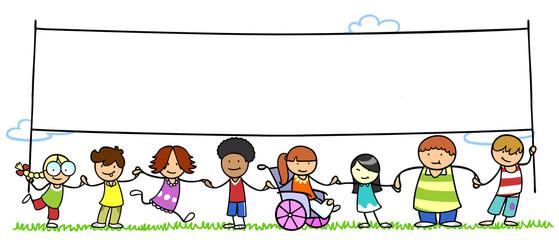 Gruppe Kinder hält leeres Banner als Team