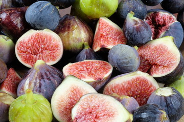 sliced fesh figs close-up
