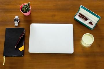 2020 Agenda Working Desk