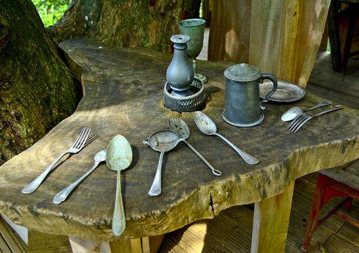 Vieux ustensiles de cuisine, couvert anciens