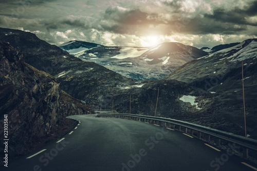 Wall mural Dramatic Alpine Road in Norway