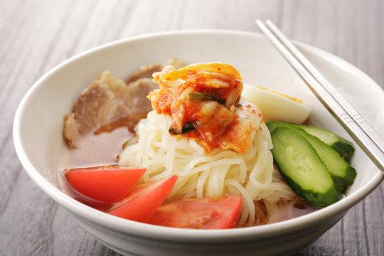 冷麺 Cold noodle