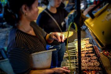ハノイ 串焼き 露店