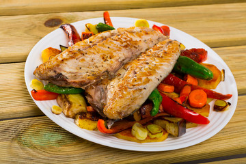 Grilled vegetables with fried scomber