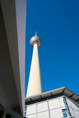 Fernsehturm in der Innenstadt von Berlin