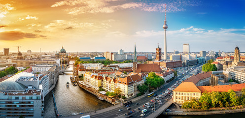 Tuinposter Centraal Europa panoramic view at the berlin city center at sunset