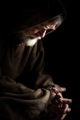 Mönch betet