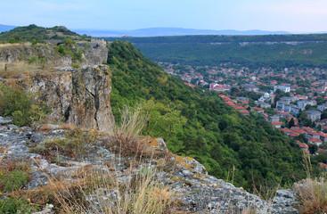 Вид на г. Провадия с высоты крепости Овеч (Болгария)