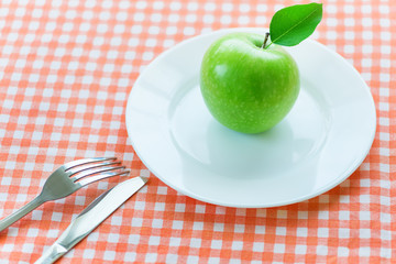 dieting with green apple