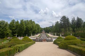 Jardines y palacio de la real granja de San idelfonso, España