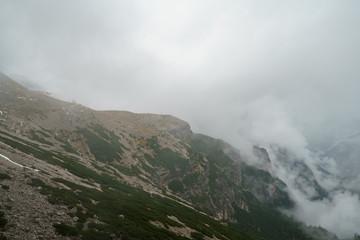 Auf dem Weg zur Auronzo Hütte und den Drei Zinnen in Italien