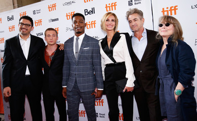 Actor Julia Roberts poses with director Sam Esmail, Jeremy White, Stephan James, Dermot Mulroney and Sissy Spacek at the world premiere of Homecoming at the Toronto International Film Festival (TIFF) in Toronto,