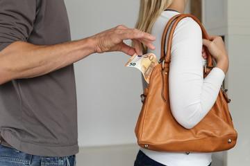 Taschendiebsthal Bargeld