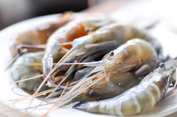 shrimp or raw shrimp