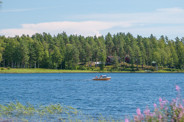 0087 kleines Boot auf dem See Venjan in Schweden