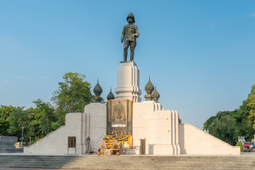 Aluminium Prints Historic monument The statue of King Vajiravudh was built in 1942 to commemorate the construction of the Lumphini Park