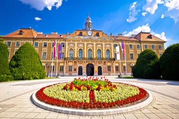 Stores à enrouleur Europe de l Est Sombor square and city hall view