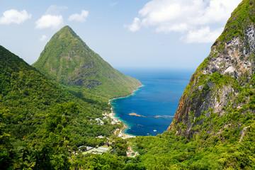 Fototapete - Iconic view of Piton mountains