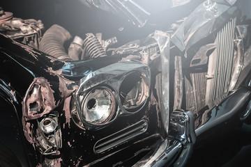 Photo sur Toile Vintage voitures Retro automobile after car crash