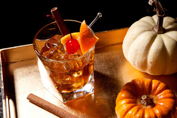 Photo sur Plexiglas Cocktail Fall Drinks - Old Fashioned Cocktail